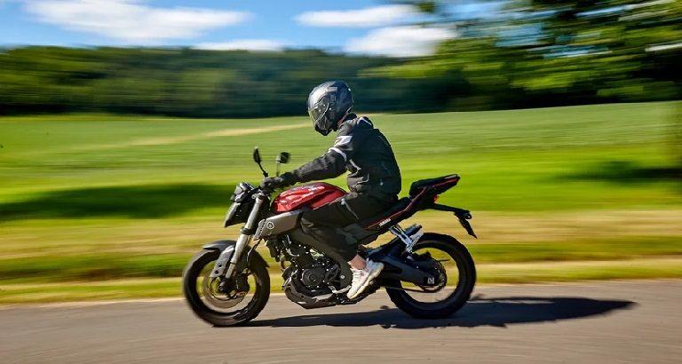 Sacarse el carnet de conducir de moto en Zaragoza